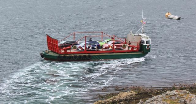 Kylerhea ferry turning round, Ruth Livingstone