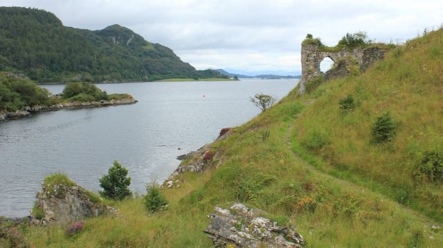 18 footpath to Strome Castle, Loch Carron, Ruth's coastal walk around Scotland