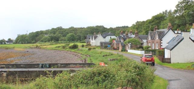 037 Inveralligin, Ruth walking the coast from Torridon, Scotland